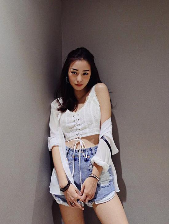 sao-style-23-8-sa-lim-sexy-bat-ngo-van-mai-huong-dung-ao-park-shin-hye-3