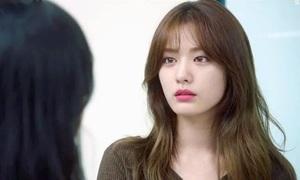 Son môi của 'cô nàng lưỡng tính' đầu tiên trên màn ảnh Hàn gây sốt