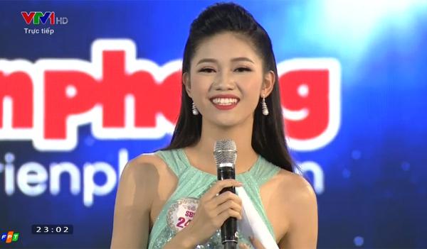 hot-girl-ngoai-thuong-do-my-linh-dang-quang-hoa-hau-viet-nam-2016-14