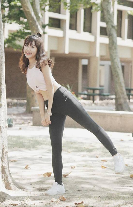 sao-style-29-8-kha-ngan-vu-quynh-anh-do-chan-thon-khi-dien-legging-bo-sat-1