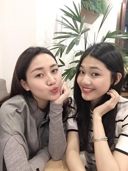 Thanh Tú và chị gái Á hậu Ngô Trà My.