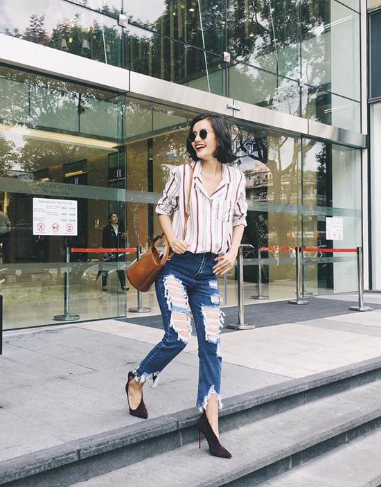 sao-style-31-8-hoang-thuy-linh-kim-chi-khac-biet-voi-jeans-rach-te-tua-5