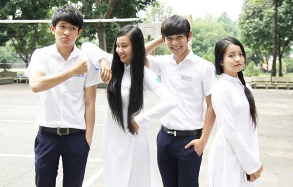 4-kieu-dong-phuc-nu-sinh-quen-mat-tren-phim-viet
