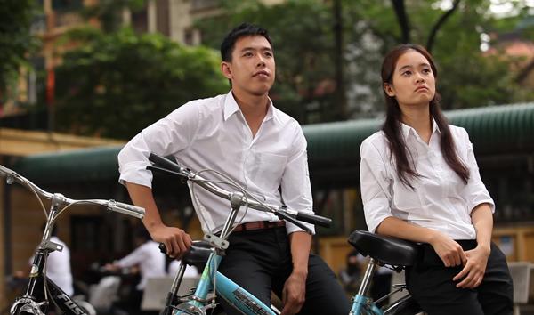 4-kieu-dong-phuc-nu-sinh-quen-mat-tren-phim-viet-4