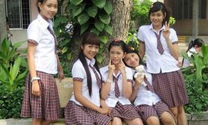 4 kiểu đồng phục nữ sinh quen mặt trên phim Việt