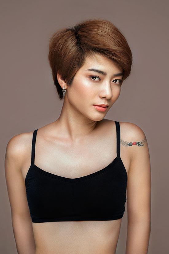 dan-thi-sinh-next-top-dong-loat-khoe-vong-1-phang-li