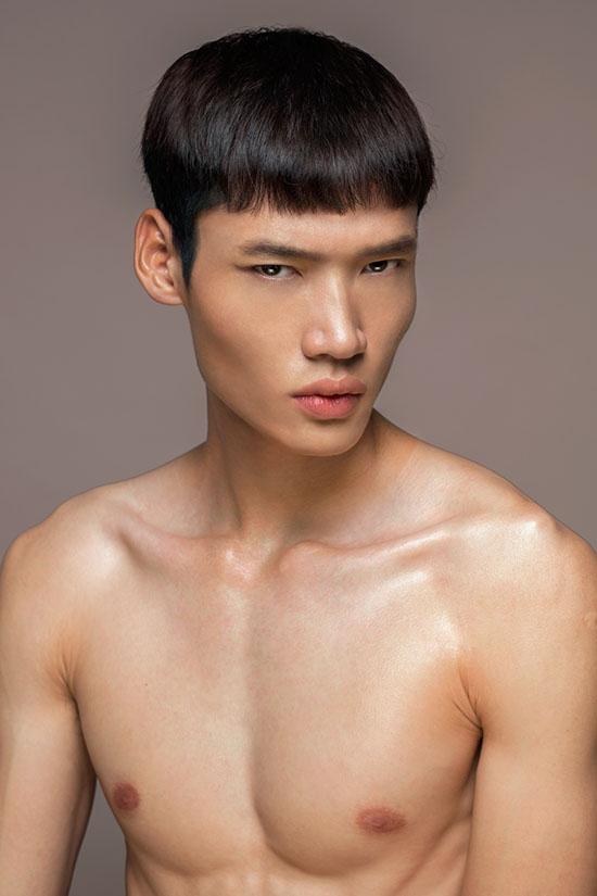 dan-thi-sinh-next-top-dong-loat-khoe-vong-1-phang-li-8