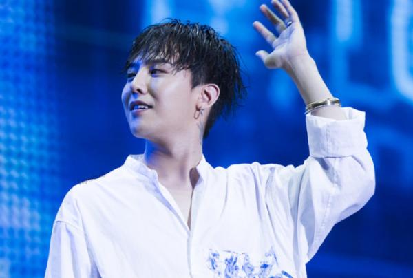 Tuy không thuộc hàng mỹ nam Kpop nhưng G-Dragon sở hữu chiếc mũi thanh tú, giúp anh chàng tỏa sáng khi nhìn nghiêng.