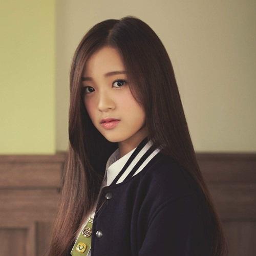 3-idol-sinh-nam-2001-duoc-cac-fan-kpop-nang-niu-8