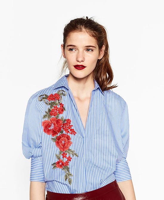 Cửa hàng Việt Nam đã được lên web chính thức của hãng. Ngay từ lúc này, bạn đã có lên trang web để tham khảo các mặt hàng cũng như mức giá trước khi ra store sắm về. Nhìn chung, Zara về Việt Nam với mức giá rất dễ chịu. So sánh với store Thái Lan, Singapore thì ngang ngửa, thậm chí rẻ hơn. Một số trang phục