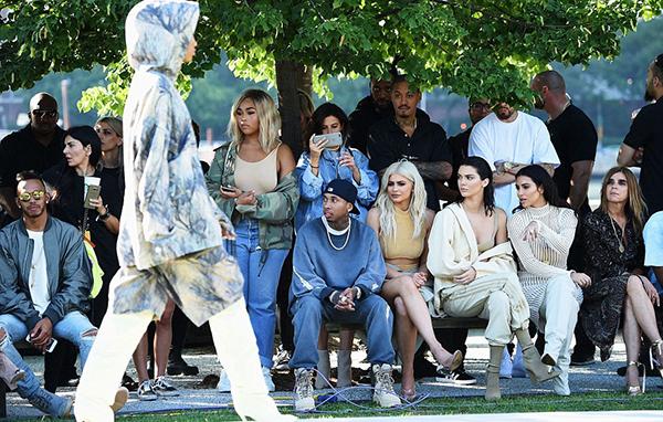 Ngày 7/9, show thời trang Yeezy 4 của Kanye West trong khuôn khổ Tuần lễ thời trang New York diễn ra tạiRoosevelt Island