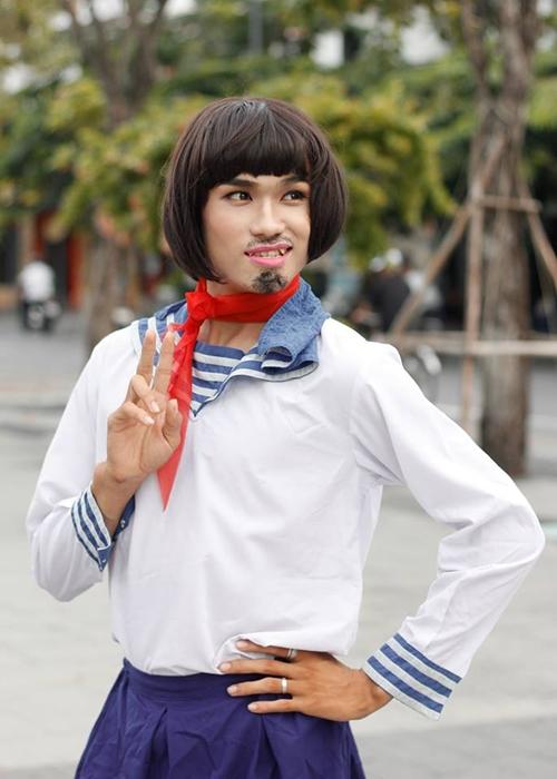 nhom-nam-thanh-nien-cosplay-cu-ong-nhat-mac-vay-4