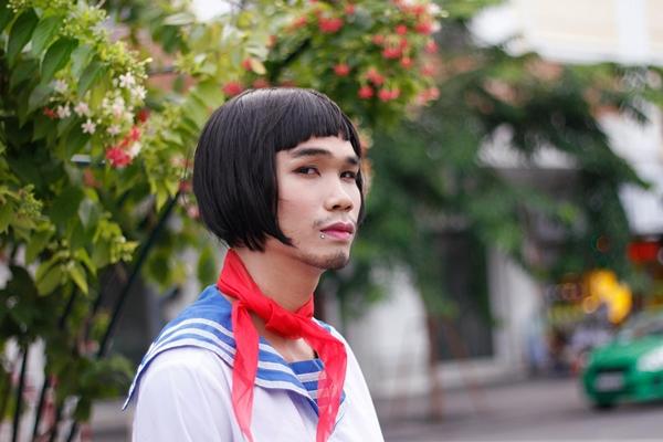 nhom-nam-thanh-nien-cosplay-cu-ong-nhat-mac-vay-6