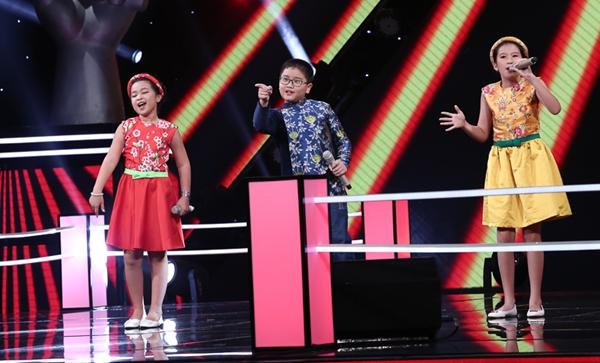 Bộ ba thí sinh: Tina, Quang Diễn, Mai Anh với ca khúc Nắng có còn xuân là những thí sinh cuối cùng của team Noo Phước Thịnh trong vòng đối đầu