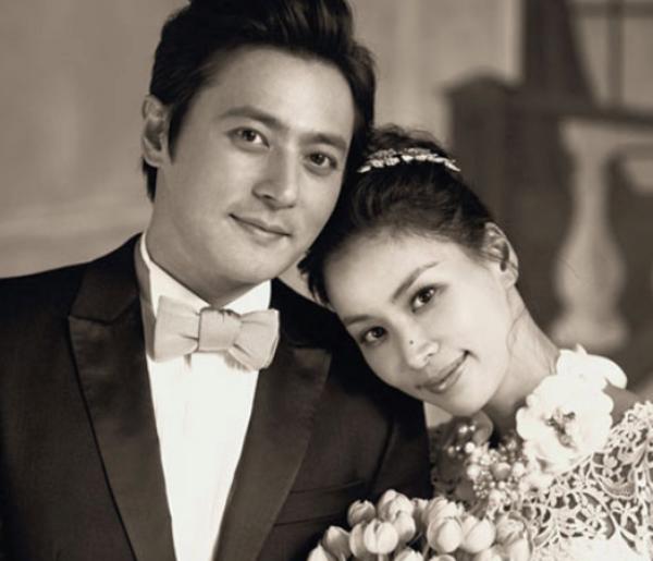 Cặp đôi hàng đầu Kbiz Jang Dong Gun và Go So Young tiến triển từ tình bạn sang tình yêu sau một thập kỷ quen biết. Tình yêu của họ có cái kết viên mãn bằng một đám cưới siêu lãng mạn năm 2010. Cả hai gặp gỡ lần đầu tiên khi hợp tác trong một dự án phim vào năm 1999 .