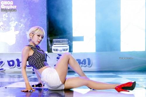 4-idol-han-sexy-theo-chun-tay-van-bi-fan-lac-dau-6