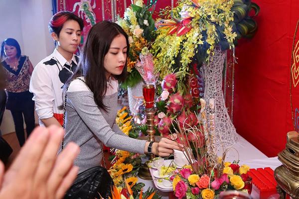 dan-sao-den-le-cung-to-nghe-do-khanh-thi-phan-hien-chu-tri-2