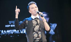 Liveshow 12 tỷ của Mr Đàm sẽ có 'mưa kim cương', hoa hồng nở theo bước chân