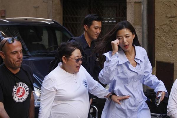 jun-ji-hyun-mac-luom-thuom-van-dep-sang-chanh-trong-phim-moi-3