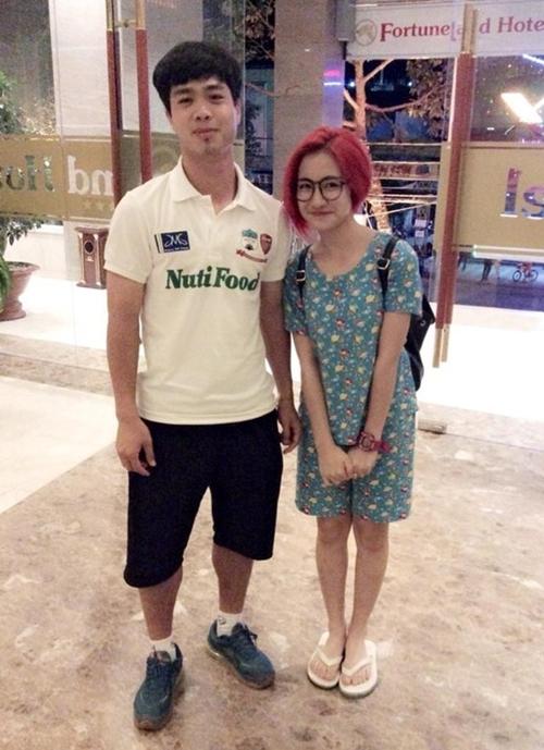 Đây là bức ảnh đầu tiên vào năm 2014 dấy nên tin đồn Hòa Minzy thân thiết