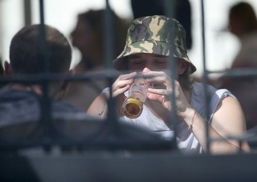 Brooklyn tìm đến bia để giải sầu