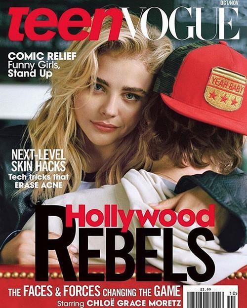Chloe xuất hiện trong vòng tay của bạn trai trên tờ bìa tạp chí Teen Vogue số mới nhất.