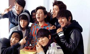 Phản ứng không thể kìm nén của idol khi bị bất ngờ trong ngày sinh nhật