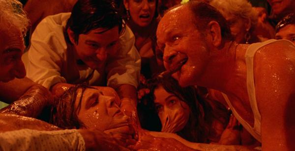 Society là bộ phim kinh dị đẫm máu của đạo diễnBrian Yuzna