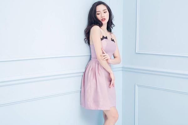 3-hot-girl-ban-hang-nhanh-lay-lai-phong-do-thoi-trang-sau-sinh-9