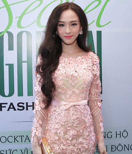 style-kieu-sa-mong-manh-dac-trung-cua-hh-phuong-nga-5