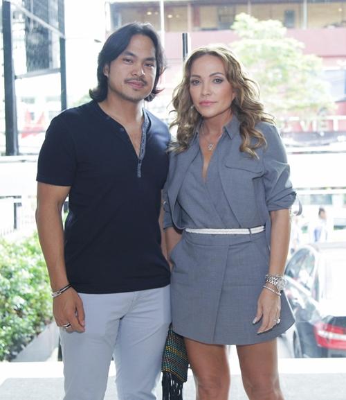 Chiều ngày 22/9, ca sĩ Thanh Hà cùng bạn trai tham gia dự sự kiện sinh nhật của một kênh giải trí YouTube.