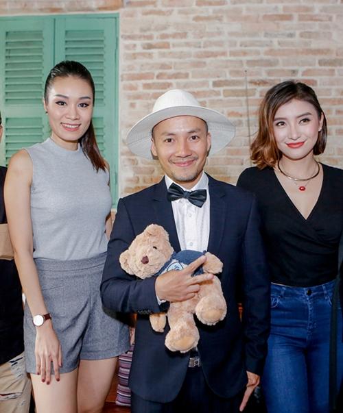 Trong lần họp báo ra mắt MV mới của Tiến Đạt gần đây, Minh Thư cũng xuất hiện chúc mừng.