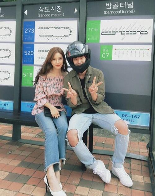 sao-han-23-9-suzy-nhi-nho-boi-trong-ao-red-velvet-do-ve-dang-yeu-2