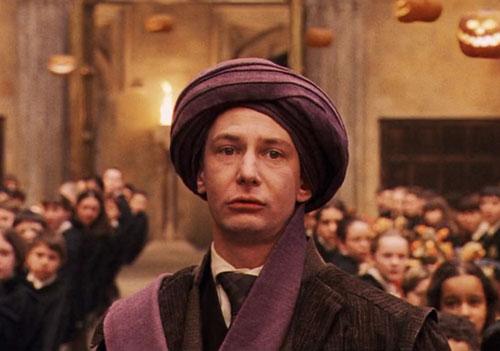 ban-co-nho-ten-giao-su-truong-hogwarts-trong-harry-potter-2