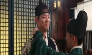 Thế tử Bo Gum tủm tỉm đáng yêu trong hậu trường