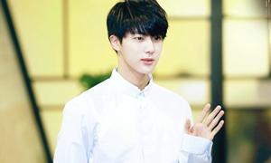 5 đặc điểm cơ thể của idol nam bị fan nữ 'săm soi' nhiều nhất