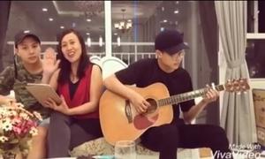 Duy Khánh rủ rê mẹ hát 'Anh cứ đi đi'