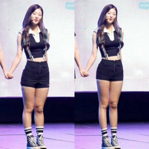 Sau khi được photoshop, rõ ràng đôi chân thon dài giúp Chae Yeon trông thanh thoát, cao ráo hơn dù có cùng một chiều cao như ban đầu.
