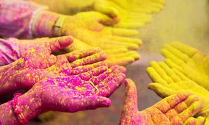 Màu sắc lòng bàn tay nói gì về bạn