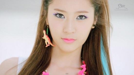 nhan-sac-ngay-cang-truong-thanh-cua-nu-than-kpop-krystal-5