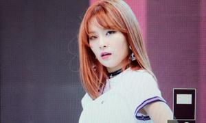 Đổi màu tóc, Seul Gi nhận 'mưa' lời khen cho ngoại hình mới