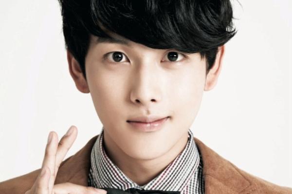 16-idol-nam-noi-tieng-nhat-cong-dong-dong-tinh-han-2016-8
