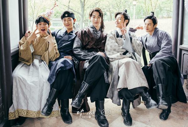 hau-truong-moon-lovers-chung-minh-hoang-tu-cool-ngau-khong-he-ton-tai-4