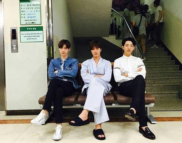 sao-han-1-10-irene-seul-gi-do-ve-dang-yeu-seo-hyun-xuong-toc-tre-trung-4