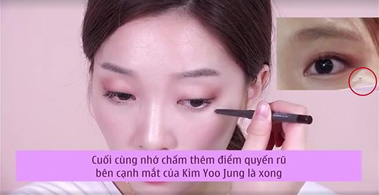 7-buoc-trang-diem-giong-kim-yoo-jung-trong-may-hoa-anh-trang-10
