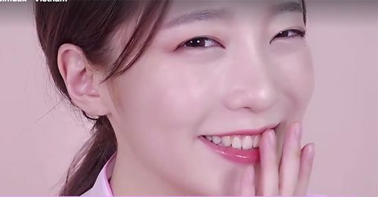 7-buoc-trang-diem-giong-kim-yoo-jung-trong-may-hoa-anh-trang-11
