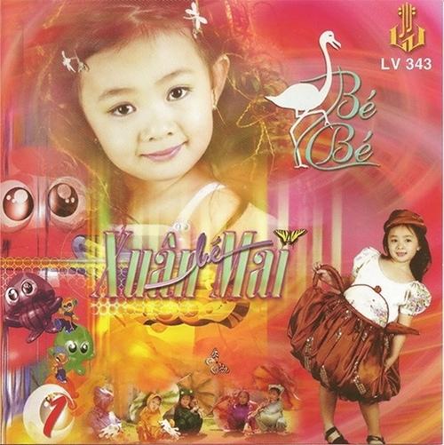 5 tuổi, Xuân Mai đã có công ty riêng lo việc chạy show, ra mắt sản phẩm âm nhạc.