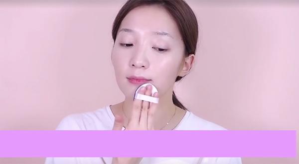 7-buoc-trang-diem-giong-kim-yoo-jung-trong-may-hoa-anh-trang-1