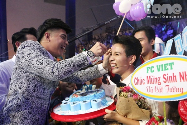 hlv-the-voice-kids-dua-nhau-tang-kep-toc-dieu-da-cho-vu-cat-tuong-2