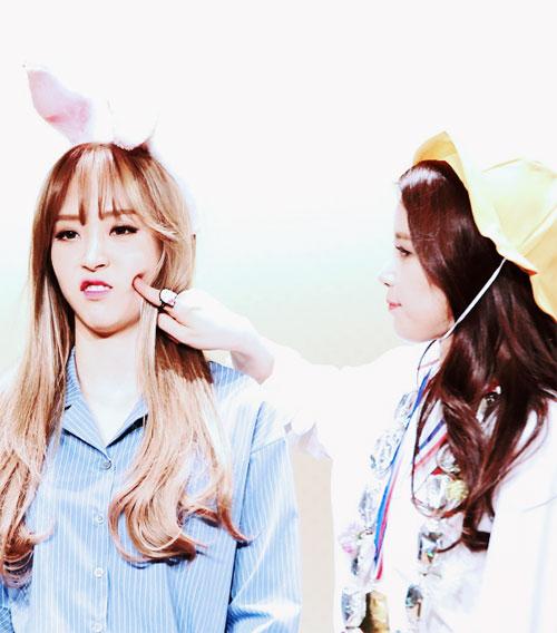 10-idol-kpop-de-thuong-giong-het-chuot-hamster-6